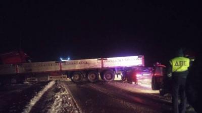 Под Орлом в результате ДТП с грузовиком погибли пять человек