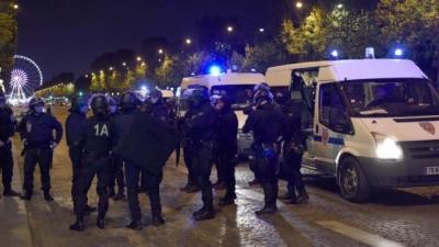 Турецкий журналист с канистрой для бензина попытался прорваться через оцепление в Париже